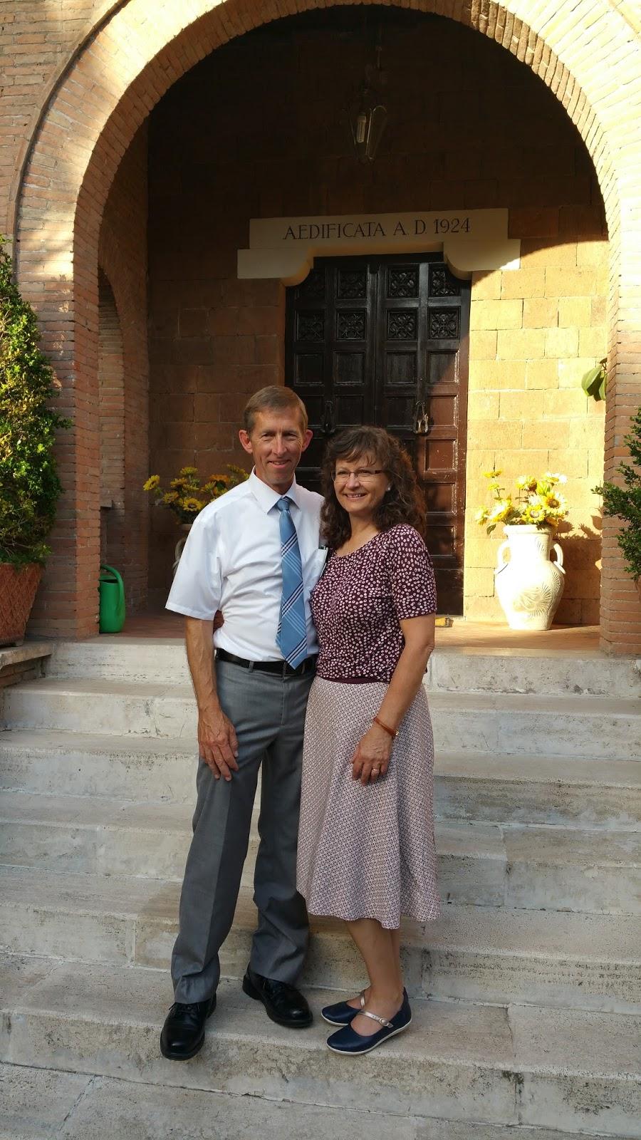 Anziano Craig Garrett and Sorella Garrett.