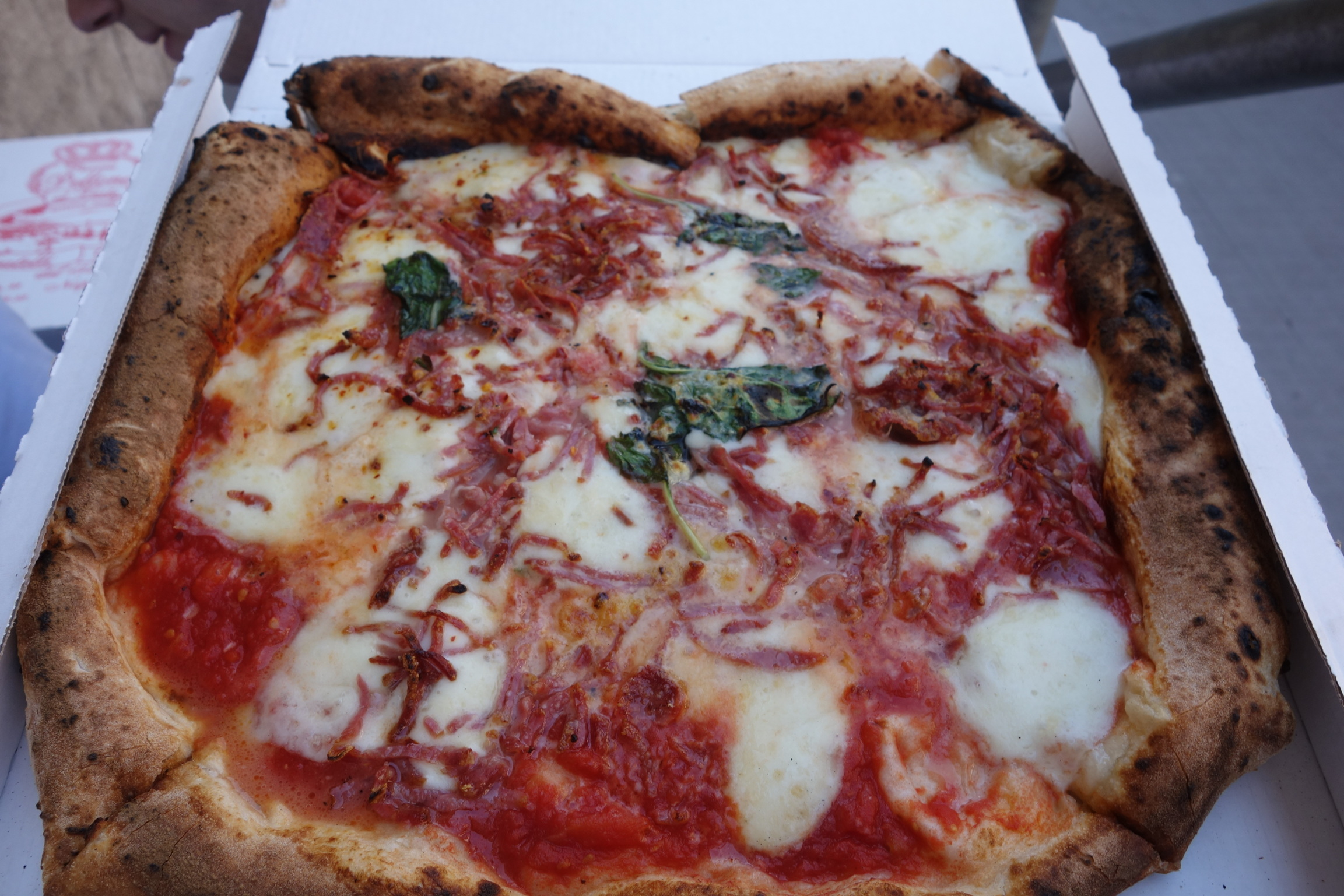 Napoli pizza - pizza doesn't get any better than this